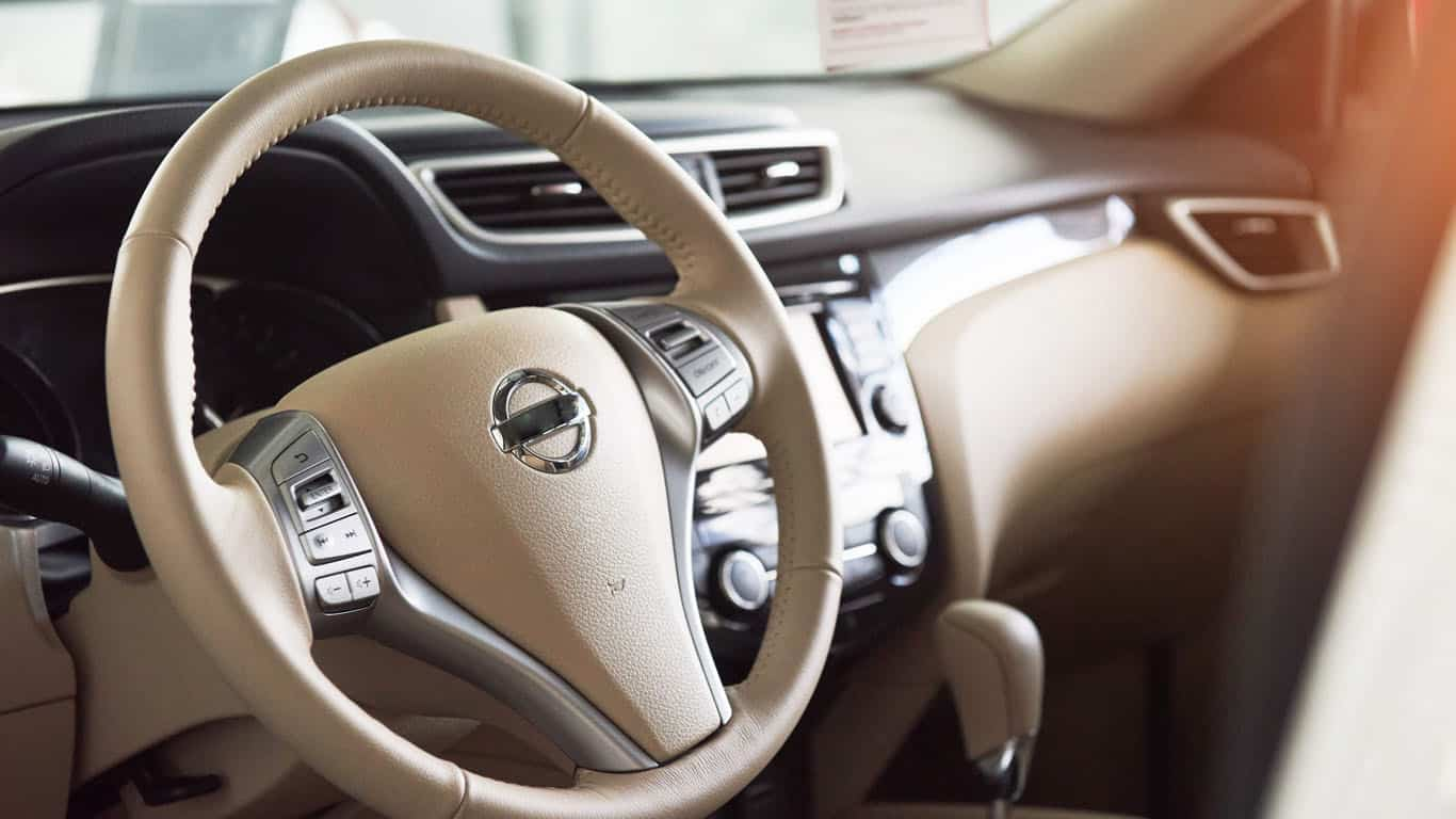 convoyage voiture de luxe-allo-van-lyon-convoyeur automobile